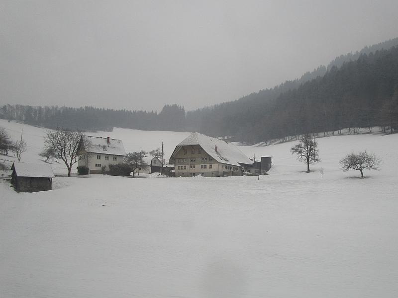 http://www.bahnreiseberichte.de/086-Jura-Ligne-Horlogers/86-98Schwarzwaldbahn-Winter.JPG