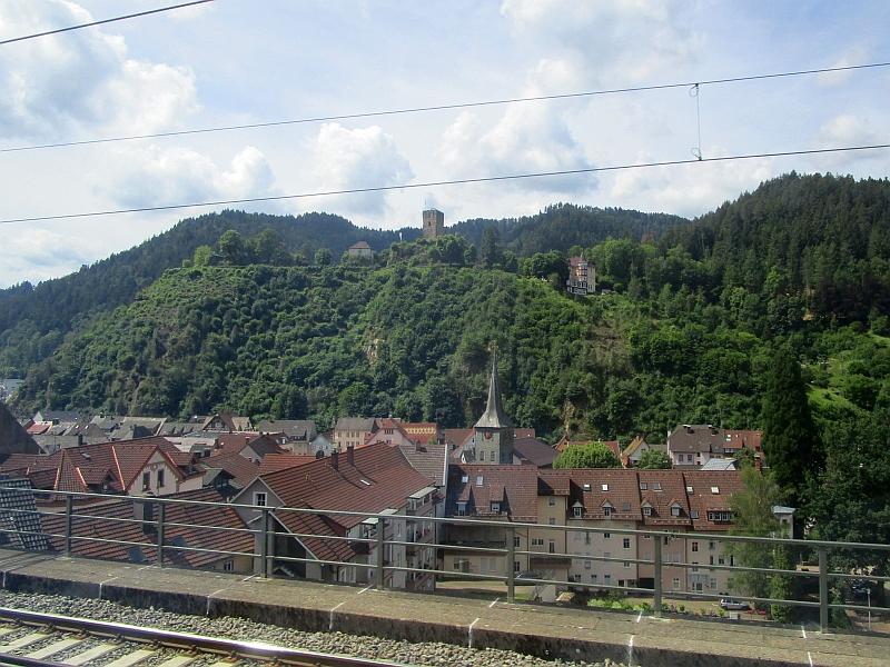 http://www.bahnreiseberichte.de/089-Kinzigtal/89-15Fahrt-Hornberg.JPG