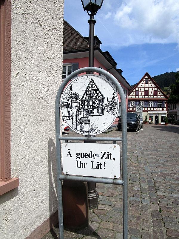 http://www.bahnreiseberichte.de/089-Kinzigtal/89-20Haslach-Guede-Zit.JPG