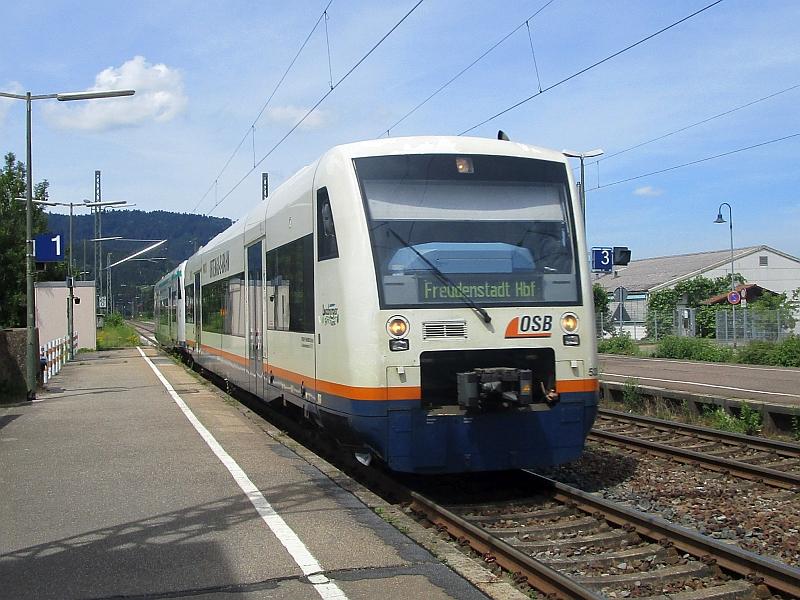 http://www.bahnreiseberichte.de/089-Kinzigtal/89-22OSB-Regioshuttle-Haslach.JPG