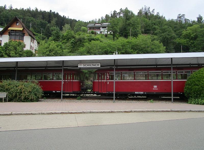 http://www.bahnreiseberichte.de/089-Kinzigtal/89-25Schiltach-Schienenbusse.JPG