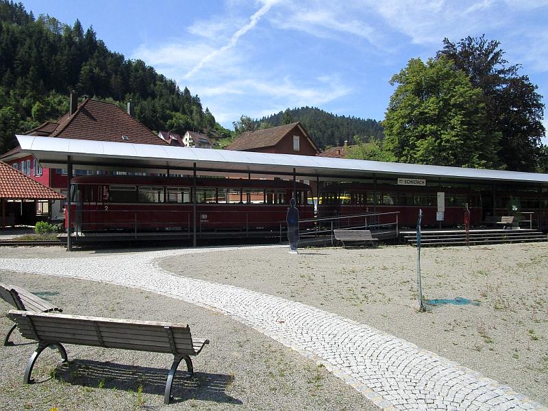 http://www.bahnreiseberichte.de/089-Kinzigtal/89-30Schiltach-Bahnpunkt.JPG
