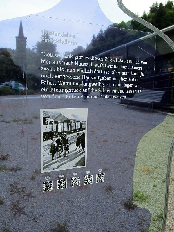 http://www.bahnreiseberichte.de/089-Kinzigtal/89-36Schiltach-Bahnpunkt-Schuelerin.JPG