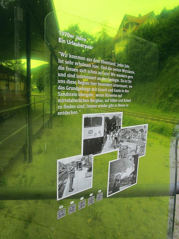 http://www.bahnreiseberichte.de/089-Kinzigtal/89-38Schiltach-Bahnpunkt-Urlauber.JPG