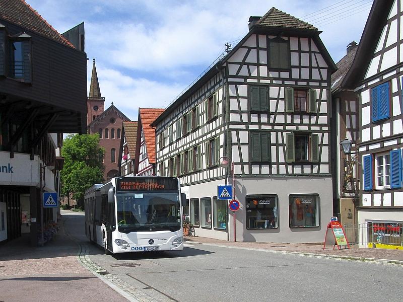 http://www.bahnreiseberichte.de/089-Kinzigtal/89-52Schiltach-Bus.JPG