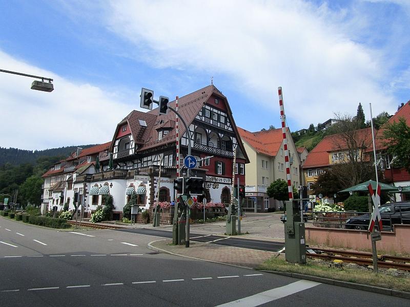 http://www.bahnreiseberichte.de/089-Kinzigtal/89-57Alpirsbach-Kinzigtalbahn.JPG