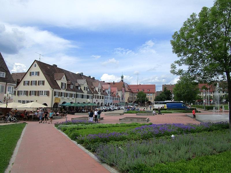 http://www.bahnreiseberichte.de/089-Kinzigtal/89-67Freudenstadt-Marktplatz.JPG