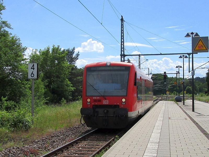 http://www.bahnreiseberichte.de/089-Kinzigtal/89-78DB-Regioshuttle-Hochdorf.JPG