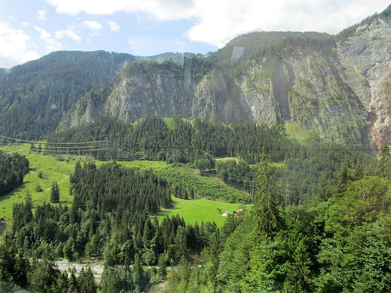 http://www.bahnreiseberichte.de/090-Achensee-Schafberg/90-009Fahrt-Arlberg.JPG