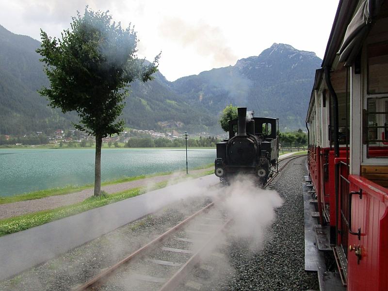 http://www.bahnreiseberichte.de/090-Achensee-Schafberg/90-026Achenseebahn-Seespitz-Umsetzen.JPG
