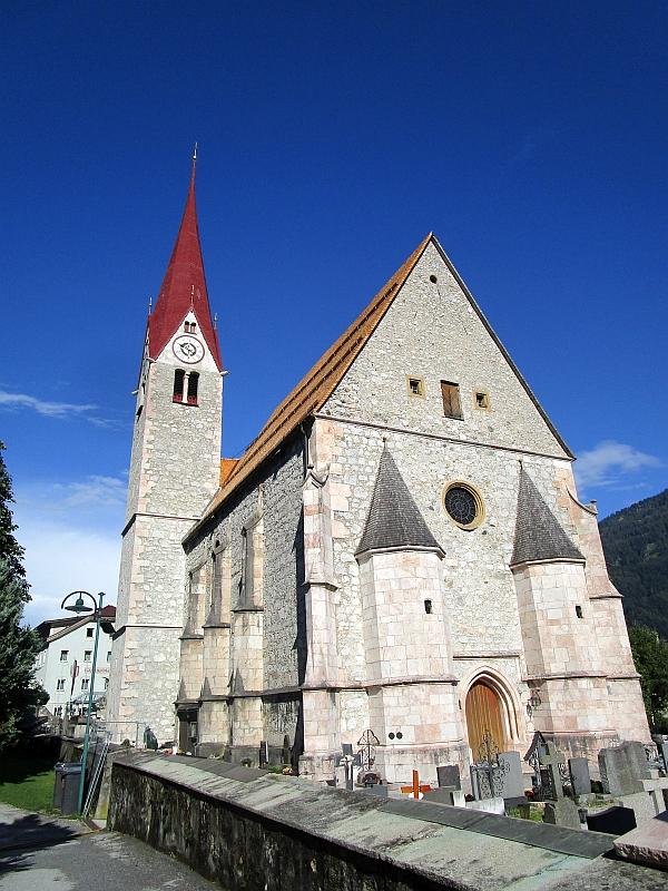 http://www.bahnreiseberichte.de/090-Achensee-Schafberg/90-036Jenbach-Kirche.JPG