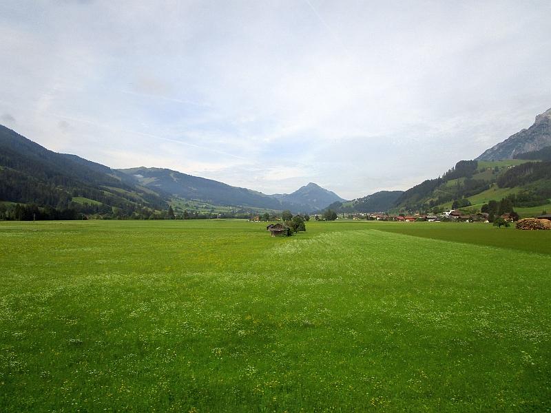 http://www.bahnreiseberichte.de/090-Achensee-Schafberg/90-039Fahrt-Pinzgau.JPG