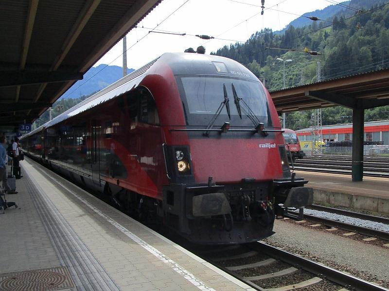 http://www.bahnreiseberichte.de/090-Achensee-Schafberg/90-042Railjet-Schwarzach-StVeit.JPG