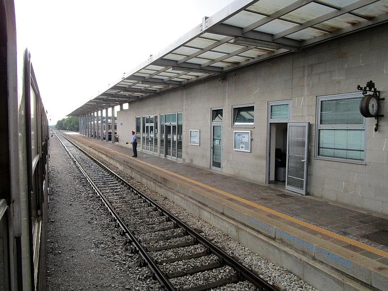 http://www.bahnreiseberichte.de/090-Achensee-Schafberg/90-067Ausfahrt-Cividale.JPG