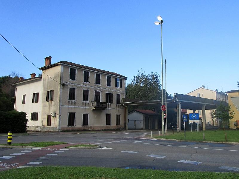http://www.bahnreiseberichte.de/090-Achensee-Schafberg/90-091Gorizia-NovaGorica.JPG