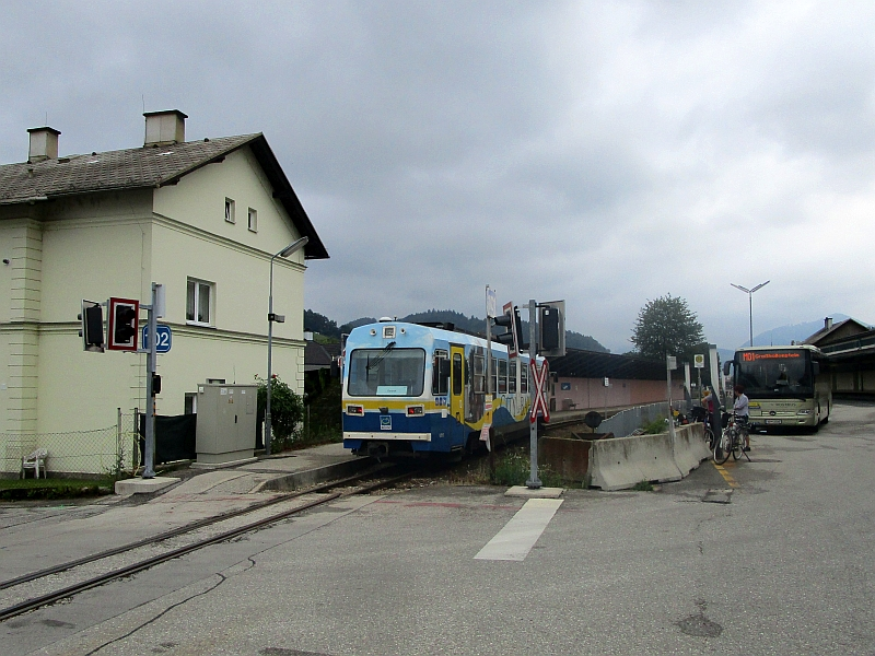 http://www.bahnreiseberichte.de/090-Achensee-Schafberg/90-121Citybahn-Waidhofen.JPG