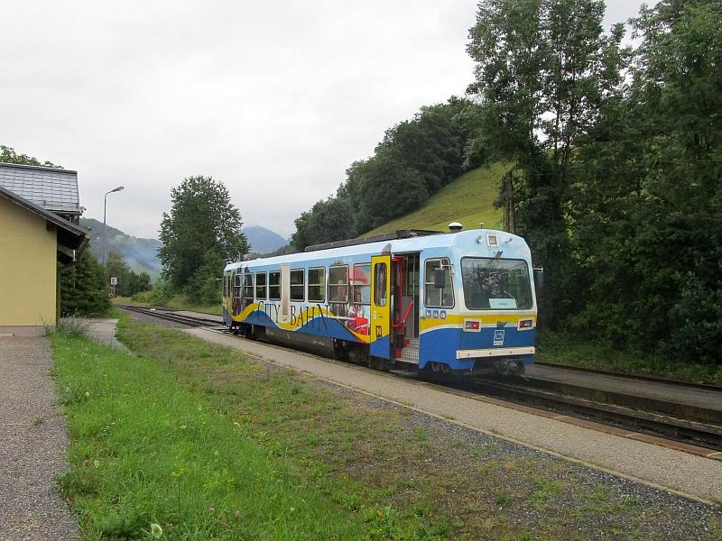 http://www.bahnreiseberichte.de/090-Achensee-Schafberg/90-132Citybahn-Gstadt.JPG