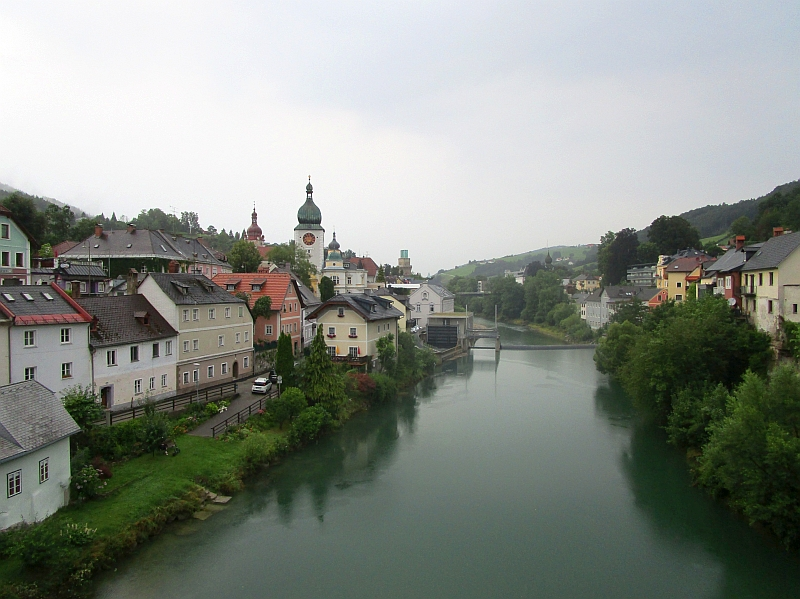 http://www.bahnreiseberichte.de/090-Achensee-Schafberg/90-137Waidhofen-Ybbs-Ybbsturm.JPG