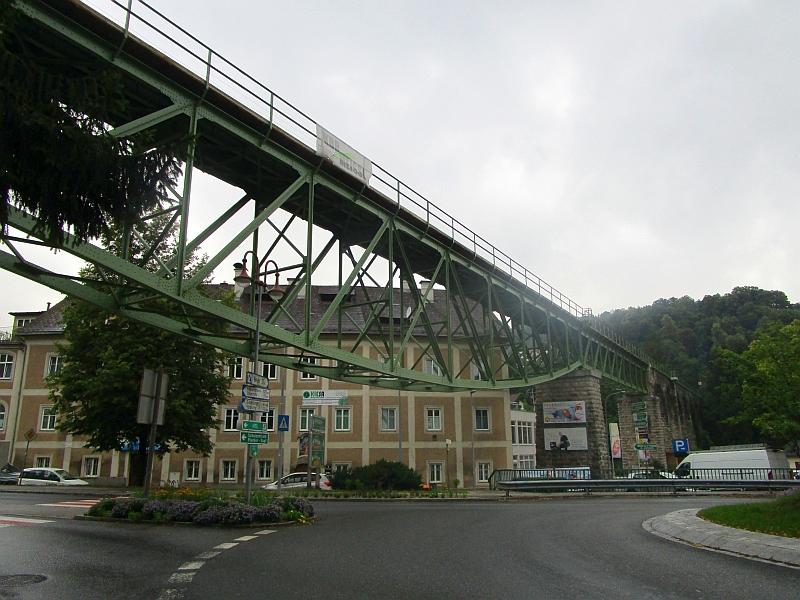 http://www.bahnreiseberichte.de/090-Achensee-Schafberg/90-140Waidhofen-Schwarzbachviadukt.JPG