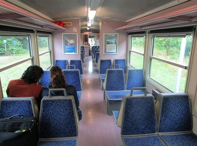 http://www.bahnreiseberichte.de/090-Achensee-Schafberg/90-142Waidhofen-Citybahn-innen.JPG