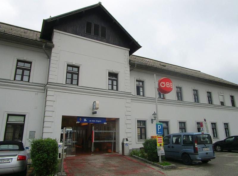 http://www.bahnreiseberichte.de/090-Achensee-Schafberg/90-146Waidhofen-Bahnhof.JPG