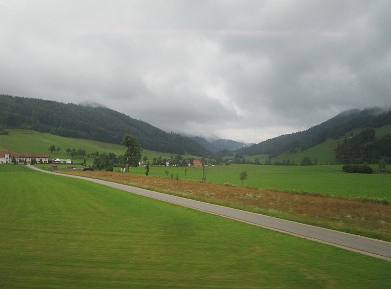http://www.bahnreiseberichte.de/090-Achensee-Schafberg/90-149Fahrt-Traunviertel.JPG
