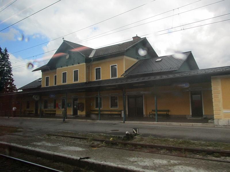 http://www.bahnreiseberichte.de/090-Achensee-Schafberg/90-155Bahnhof-Admont.JPG