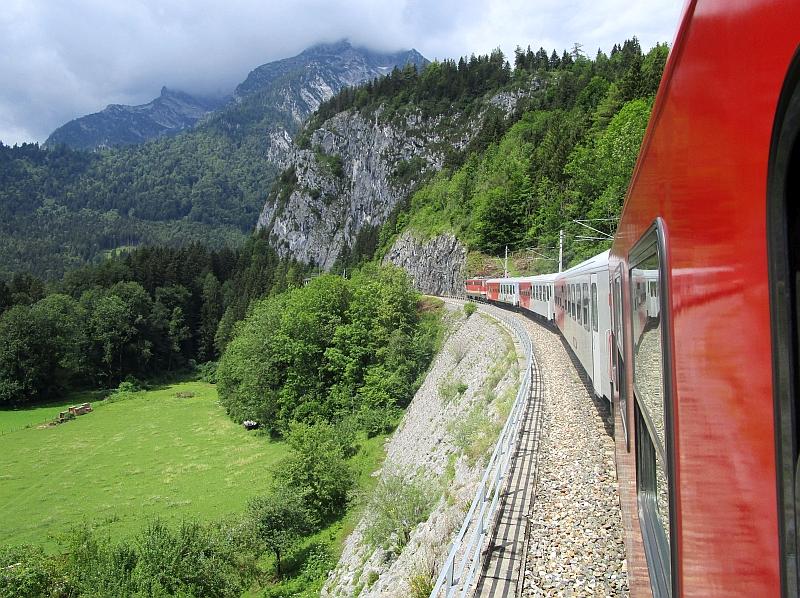http://www.bahnreiseberichte.de/090-Achensee-Schafberg/90-166Fahrt-Salzkammergutbahn.JPG