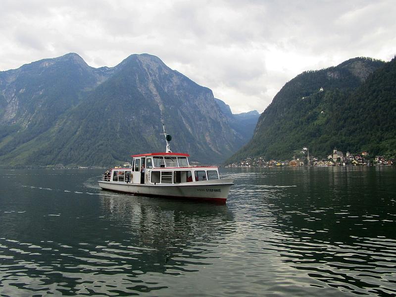 http://www.bahnreiseberichte.de/090-Achensee-Schafberg/90-175Schiff-Hallstatt.JPG