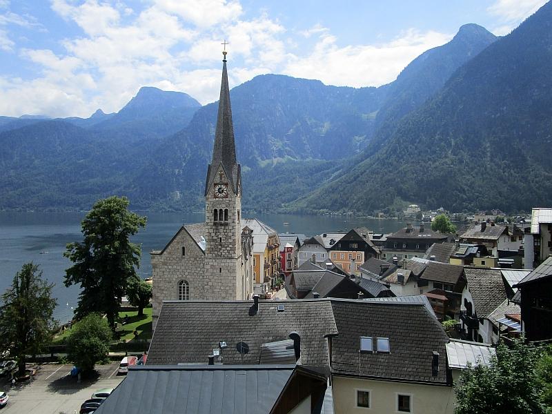 http://www.bahnreiseberichte.de/090-Achensee-Schafberg/90-178Hallstatt-Evang-Kirche.JPG