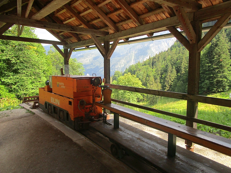 http://www.bahnreiseberichte.de/090-Achensee-Schafberg/90-188Hallstatt-Grubenbahn.JPG