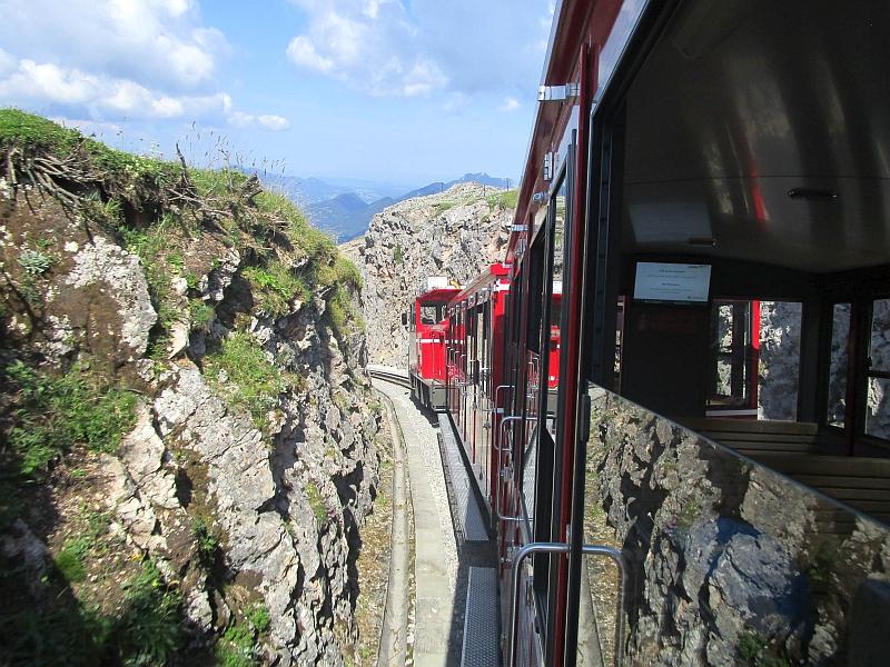 http://www.bahnreiseberichte.de/090-Achensee-Schafberg/90-257Schafbergbahn-Talfahrt.JPG