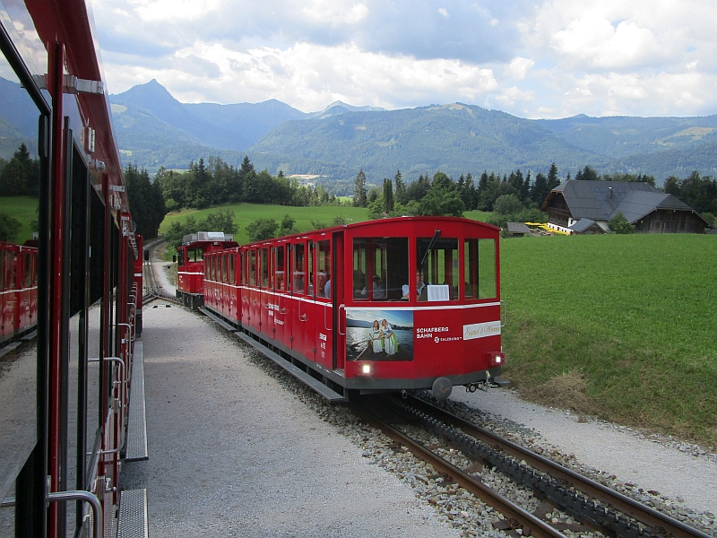 http://www.bahnreiseberichte.de/090-Achensee-Schafberg/90-262Schafbergbahn-Zugkreuzung.JPG