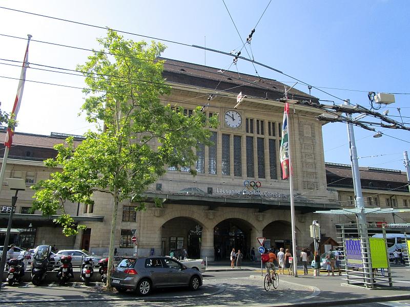 http://www.bahnreiseberichte.de/092-MontBlanc-Chablais/92-009Lausanne-Bahnhof.JPG