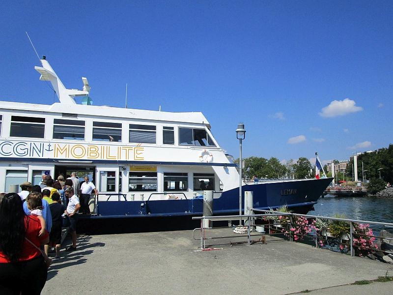 http://www.bahnreiseberichte.de/092-MontBlanc-Chablais/92-014Schiff-CGN-Leman.JPG