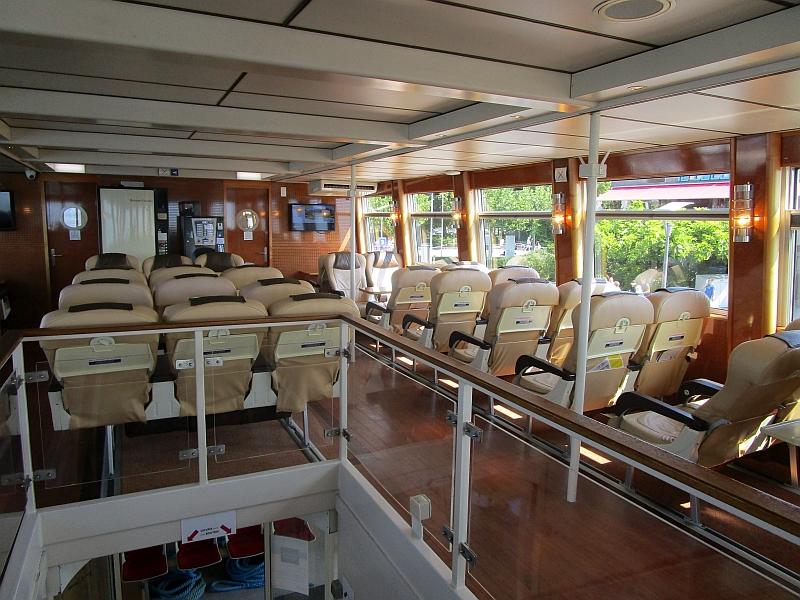 http://www.bahnreiseberichte.de/092-MontBlanc-Chablais/92-015Schiff-CGN-Leman-1Klasse.JPG