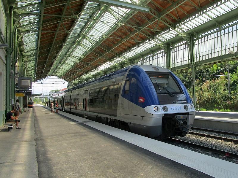http://www.bahnreiseberichte.de/092-MontBlanc-Chablais/92-029Evian-SNCF-Z27500.JPG