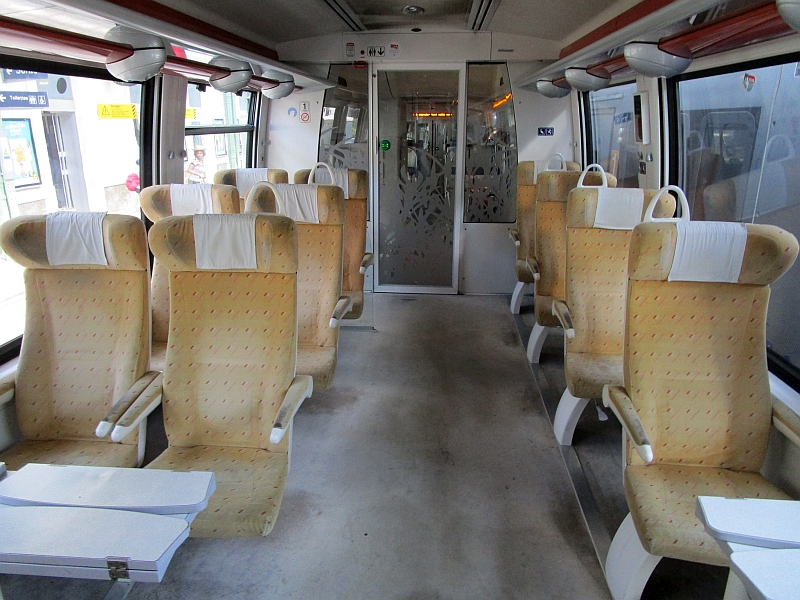 http://www.bahnreiseberichte.de/092-MontBlanc-Chablais/92-030SNCF-Z27500-1Klasse.JPG