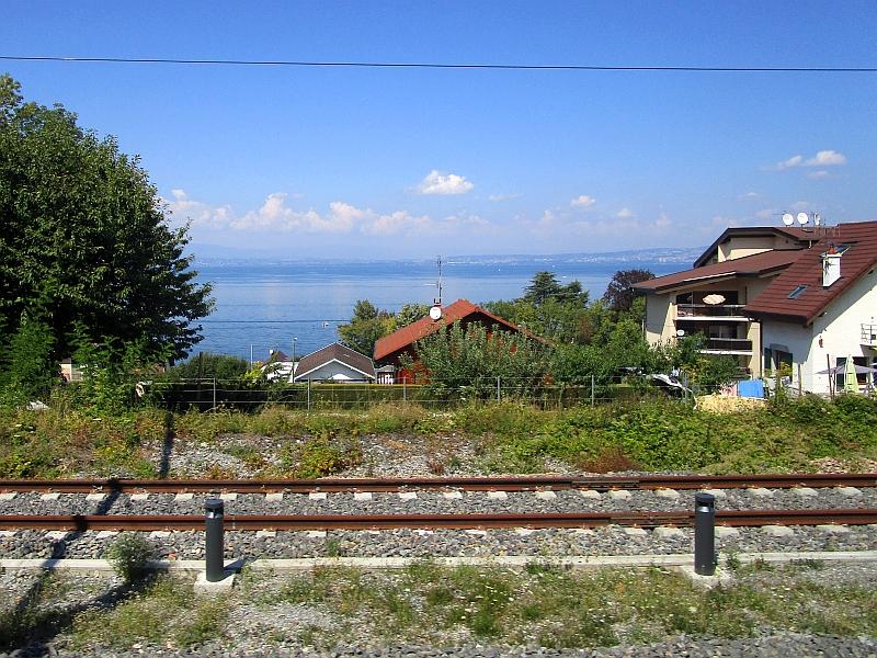 http://www.bahnreiseberichte.de/092-MontBlanc-Chablais/92-031Fahrt-Evian-Seeblick.JPG