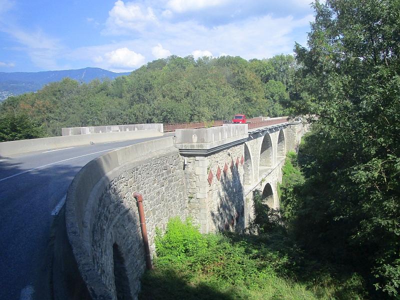 http://www.bahnreiseberichte.de/092-MontBlanc-Chablais/92-036Bus-Annemasse-Reignier.JPG