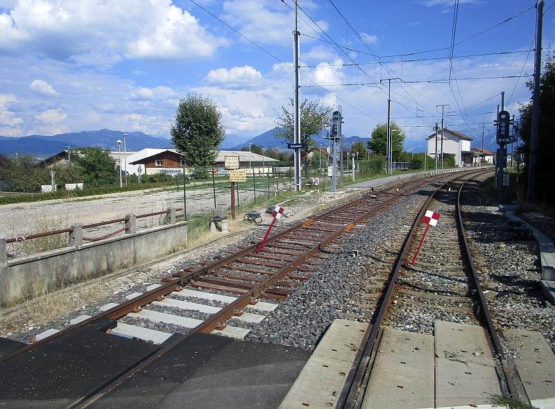 http://www.bahnreiseberichte.de/092-MontBlanc-Chablais/92-038Bahnhof-Regnier.JPG