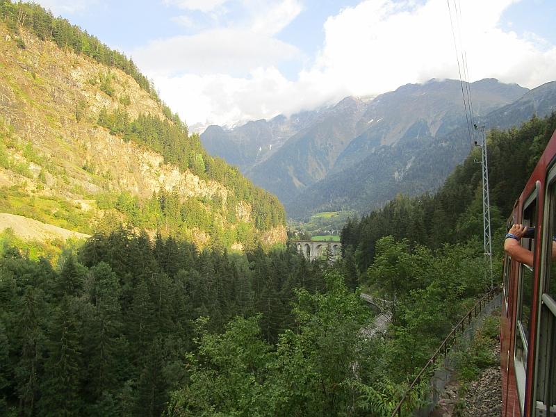http://www.bahnreiseberichte.de/092-MontBlanc-Chablais/92-048Viaduc-Ste-Marie.JPG