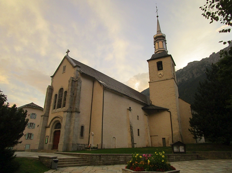 http://www.bahnreiseberichte.de/092-MontBlanc-Chablais/92-052Chamonix-Saint-Michel.JPG