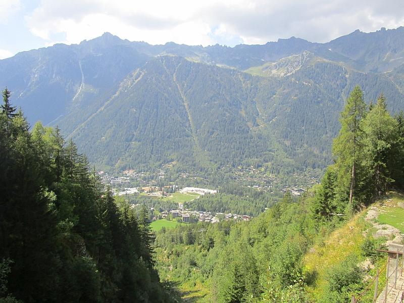 http://www.bahnreiseberichte.de/092-MontBlanc-Chablais/92-095Chemin-Montenvers-Bergfahrt.JPG