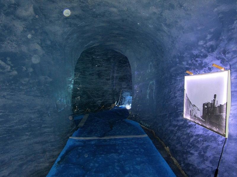 http://www.bahnreiseberichte.de/092-MontBlanc-Chablais/92-102Mer-de-Glace-Grotte.JPG