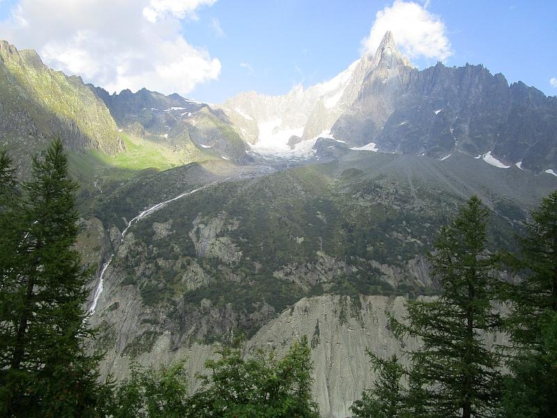 http://www.bahnreiseberichte.de/092-MontBlanc-Chablais/92-108Fahrt-Diamant-des-Flammes-de-Pierre.JPG