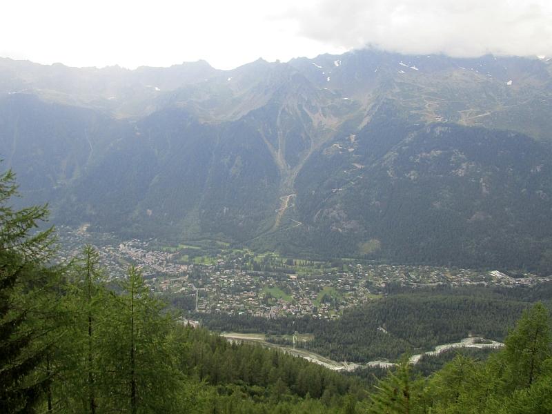 http://www.bahnreiseberichte.de/092-MontBlanc-Chablais/92-109Fahrt-Blick-Arvetal.JPG