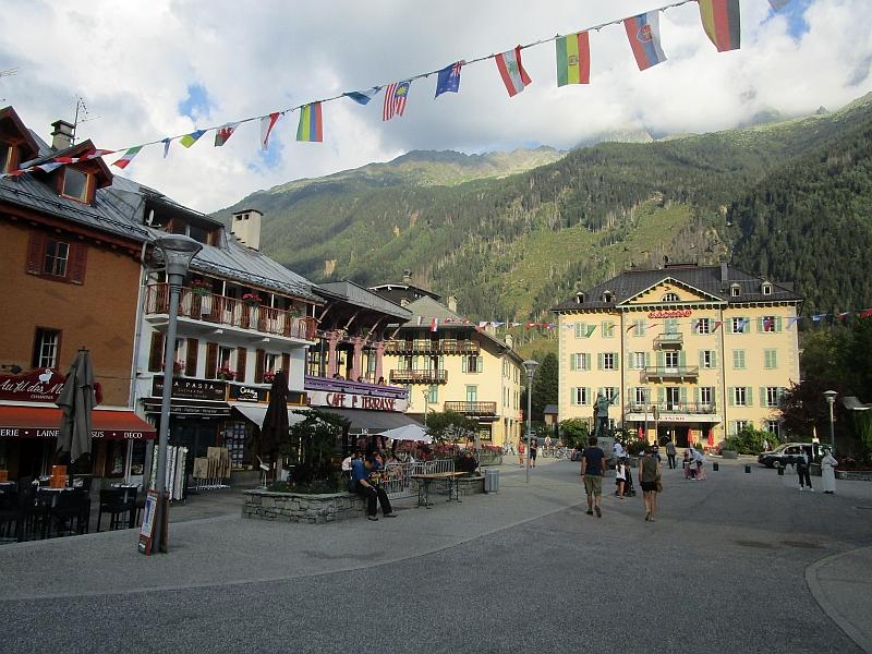 http://www.bahnreiseberichte.de/092-MontBlanc-Chablais/92-113Chamonix.JPG