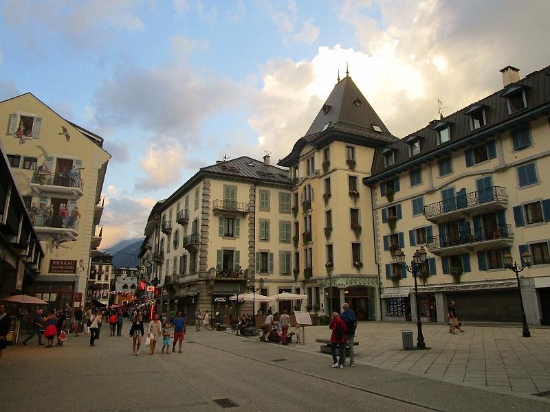 http://www.bahnreiseberichte.de/092-MontBlanc-Chablais/92-115Chamonix.JPG