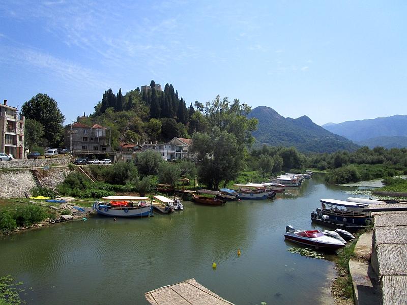 http://www.bahnreiseberichte.de/093-Montenegro/93-038Virpazar.JPG